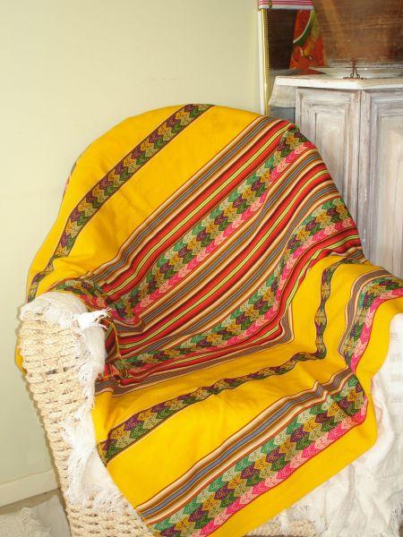 Small Manta-peruvian throw
